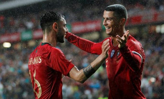 Kinh ngạc: Ronaldo bùng nổ khủng khiếp sau tuổi 30 - Ảnh 10.