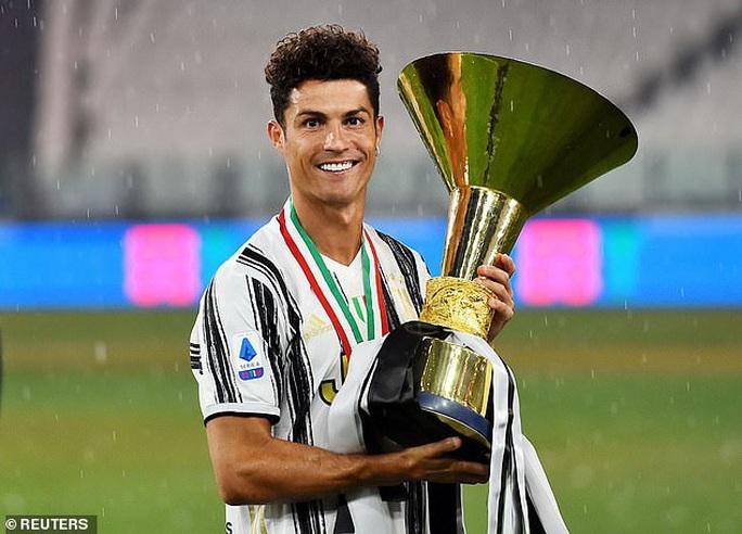 Kinh ngạc: Ronaldo bùng nổ khủng khiếp sau tuổi 30 - Ảnh 8.