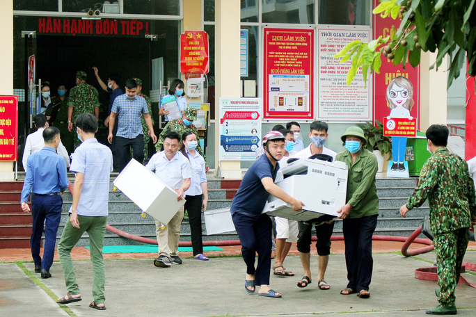 Điều tra vụ hỏa hoạn tại trung tâm hành chính công thị xã Đông Triều - Ảnh 3.