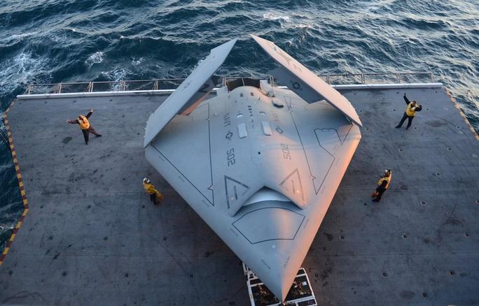 Hải quân Mỹ tung lực lượng đối đầu Trung Quốc ở biển Đông - Ảnh 1.