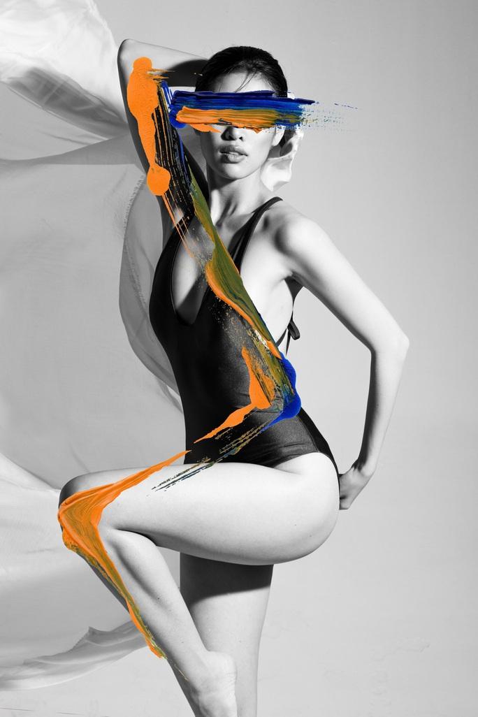 Hoa hậu Khánh Vân khoe vẻ cuốn hút trên tạp chí thời trang quốc tế - Ảnh 4.