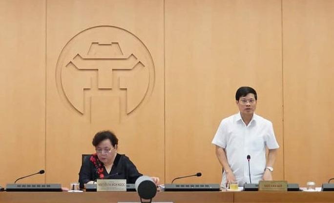Lãnh đạo CDC Hà Nội xin vắng họp ở nhà làm công tác đấu thầu nhưng mãi chả thấy đâu - Ảnh 2.