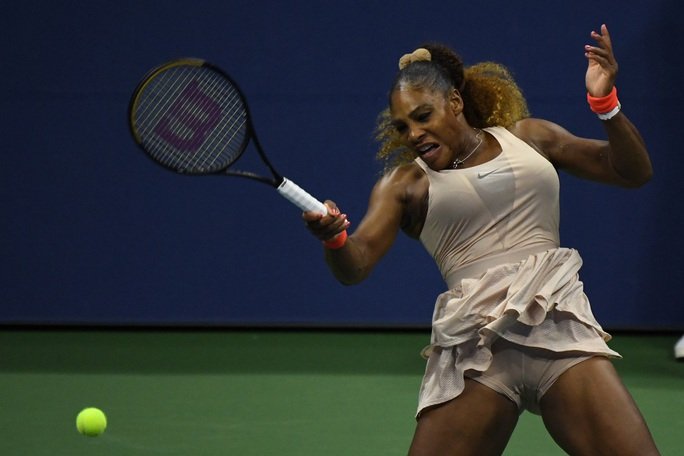 Thua sốc Super Mom của Belarus, Serena Williams mất cơ hội giành Grand Slam thứ 24 - Ảnh 1.