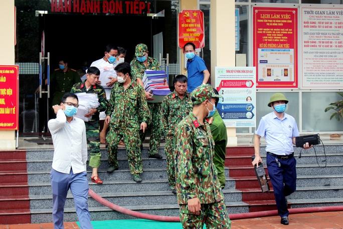 Điều tra vụ hỏa hoạn tại trung tâm hành chính công thị xã Đông Triều - Ảnh 2.
