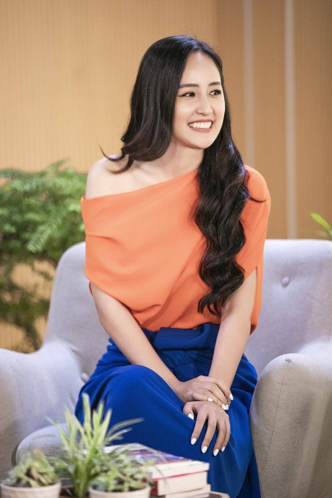 Hoa hậu Mai Phương Thúy: Trở nên nổi tiếng khiến tôi thấy bí bách - Ảnh 1.