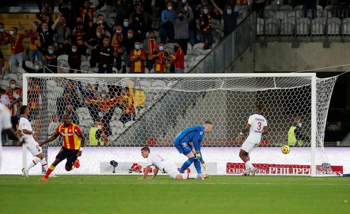 PSG thành ổ dịch Ligue 1, trắng tay trận mở màn trước tân binh  - Ảnh 4.