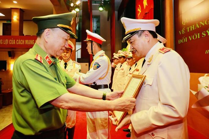 Giám đốc Công an tỉnh Thanh Hóa được thăng thiếu tướng - Ảnh 1.