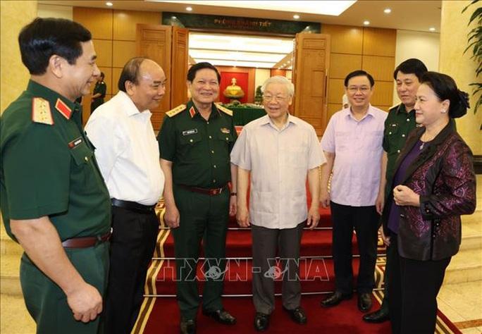 Tổng Bí thư, Chủ tịch nước chủ trì buổi làm việc với Thường vụ Quân ủy Trung ương - Ảnh 2.