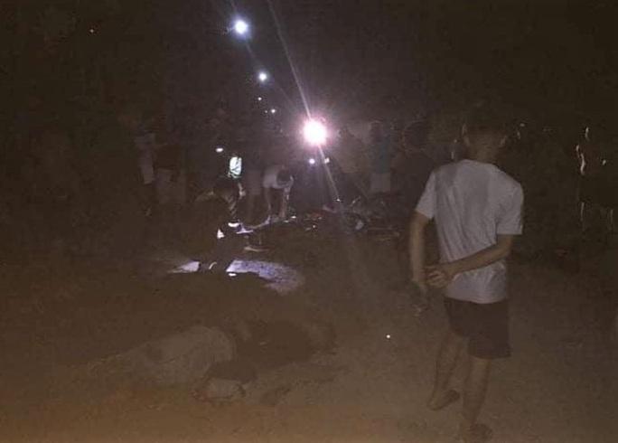 3 thanh niên trộm chó bị dân vây bắt, đánh hội đồng nhừ tử - Ảnh 1.