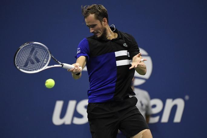 Nén đau, Dominic Thiem đánh bại Medvedev để vào chung kết US Open - Ảnh 3.
