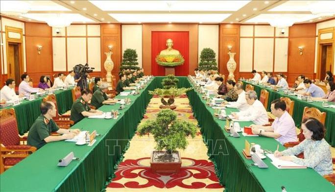 Tổng Bí thư, Chủ tịch nước chủ trì buổi làm việc với Thường vụ Quân ủy Trung ương - Ảnh 9.