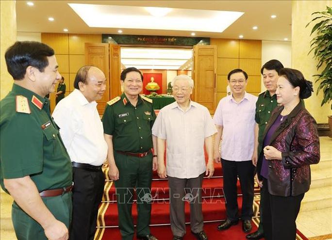 Tổng Bí thư, Chủ tịch nước chủ trì buổi làm việc với Thường vụ Quân ủy Trung ương - Ảnh 12.