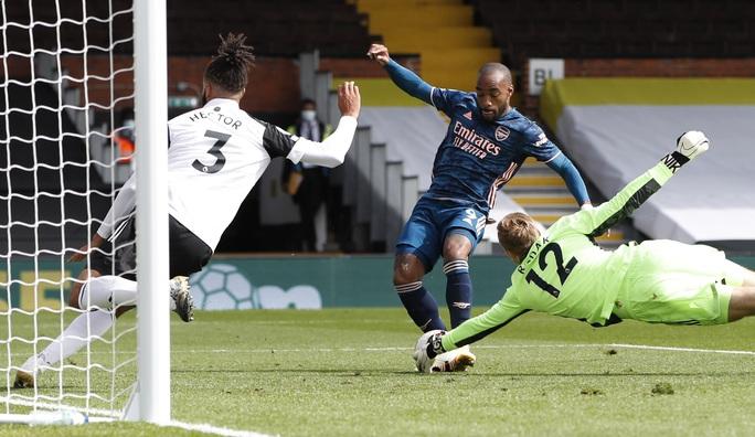Tân binh Willian tỏa sáng, Arsenal thắng đậm trận derby London - Ảnh 3.