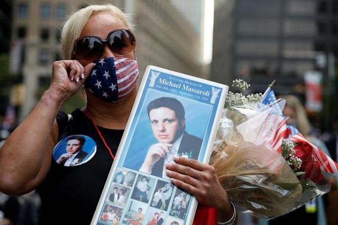 Vụ khủng bố 11-9: Hình ảnh về buổi lễ tưởng niệm khác thường - Ảnh 9.