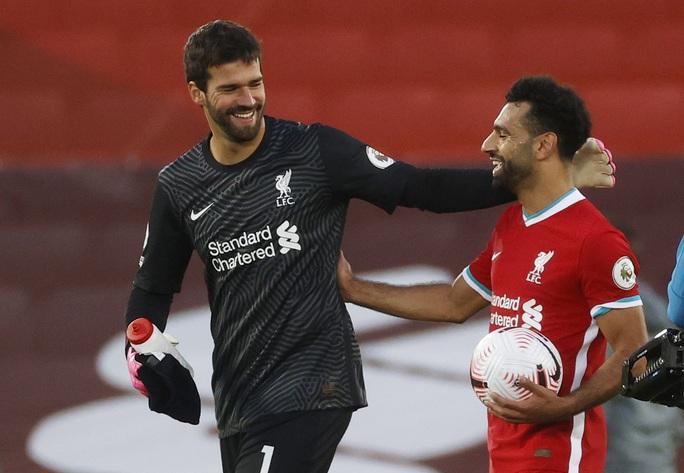 Sát thủ Salah lập hat-trick, Liverpool thắng nhọc tân binh - Ảnh 8.