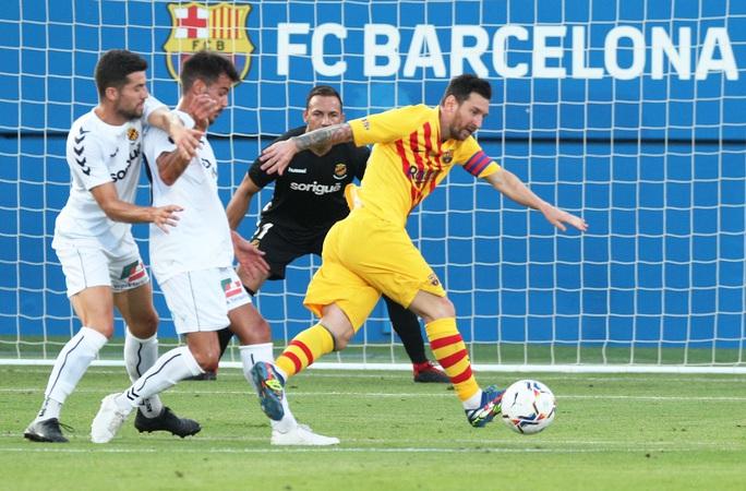 Messi tái xuất, nhường Griezmann ghi bàn cho Barca - Ảnh 2.
