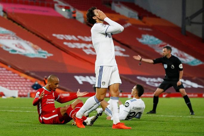 Sát thủ Salah lập hat-trick, Liverpool thắng nhọc tân binh - Ảnh 7.