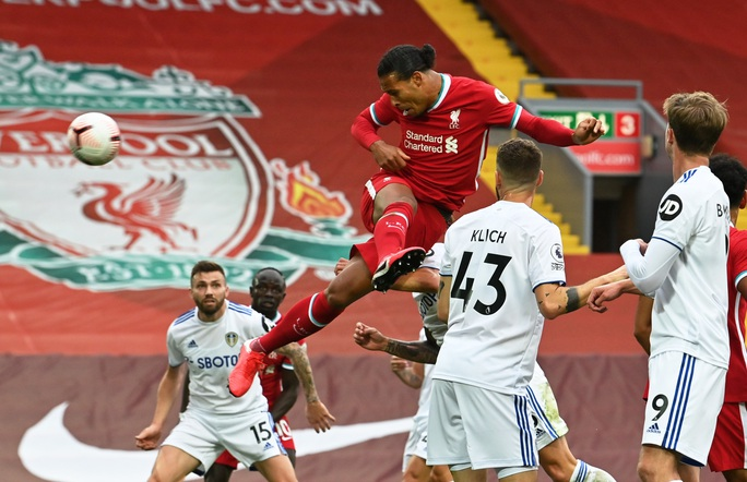 Sát thủ Salah lập hat-trick, Liverpool thắng nhọc tân binh - Ảnh 3.