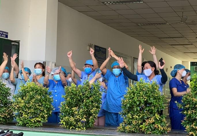 Bệnh viện Đà Nẵng khám chữa bệnh trở lại từ ngày mai, 15-9 - Ảnh 2.