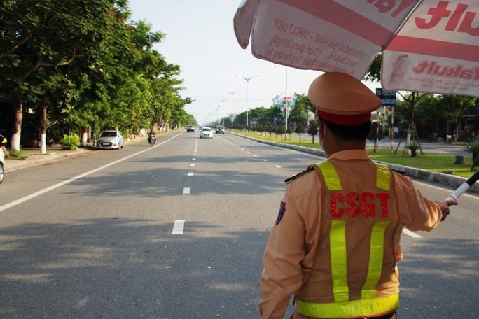 Đà Nẵng gỡ bỏ các chốt kiểm soát y tế từ 12 giờ trưa ngày 14-9 - Ảnh 2.