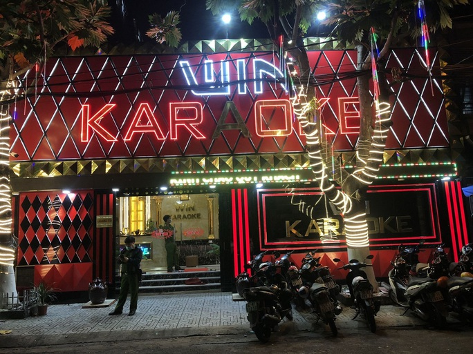 TP HCM: 33 người phê ma tuý trong quán karaoke lúc rạng sáng - Ảnh 1.