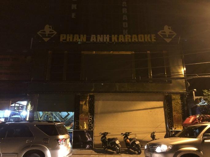 TP HCM: 33 người phê ma tuý trong quán karaoke rạng sáng - Ảnh 2.