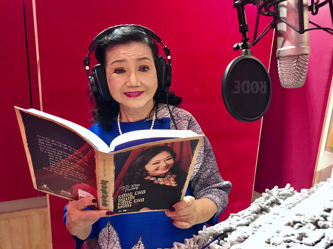 Thâm nhập hậu trường thu âm hồi ký Kỳ nữ Kim Cương cùng 3 nghệ sĩ - Ảnh 2.