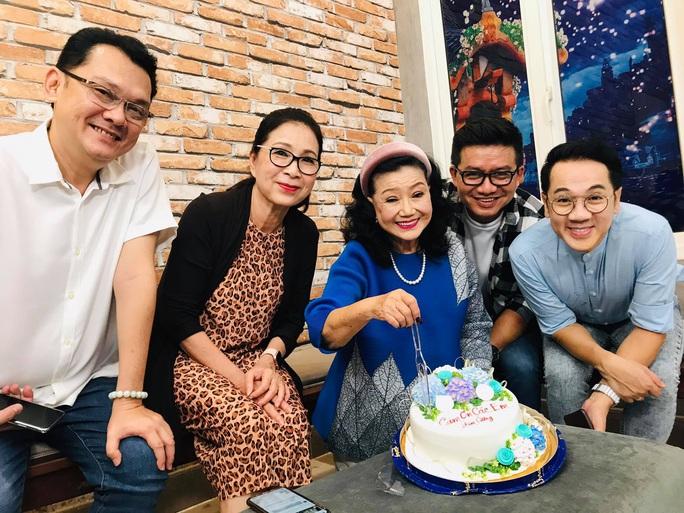 Thâm nhập hậu trường thu âm hồi ký Kỳ nữ Kim Cương cùng 3 nghệ sĩ - Ảnh 7.