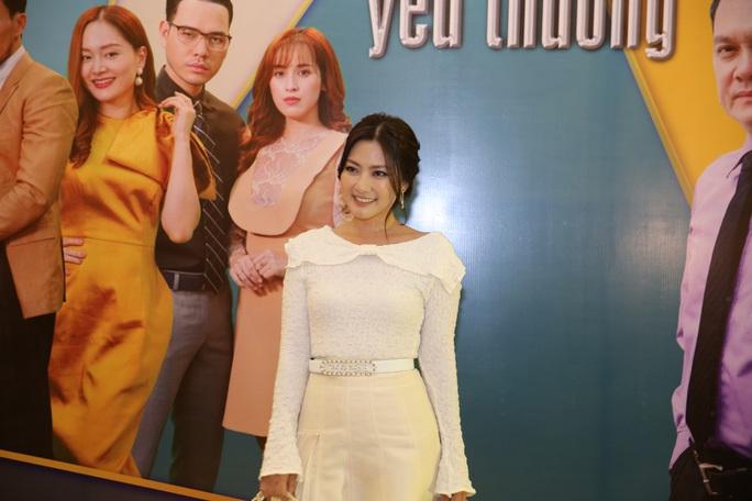 Kiều nữ Ngọc Lan tiết lộ về cảnh nóng trong phim - Ảnh 1.