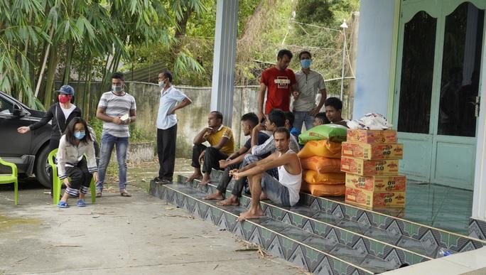 Người dân Bà Rịa- Vũng Tàu cưu mang hàng chục người Bangladesh thất nghiệp  - Ảnh 4.