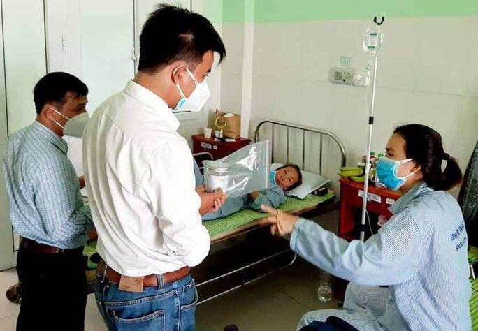 Phát hiện vi khuẩn Botulinum trong mẫu pate Minh Chay ở Quảng Nam - Ảnh 2.