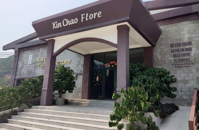 Hơn 8,2 tỉ đồng cường chế 7 cửa hàng phục vụ khách Trung Quốc ở Nha Trang - Ảnh 1.