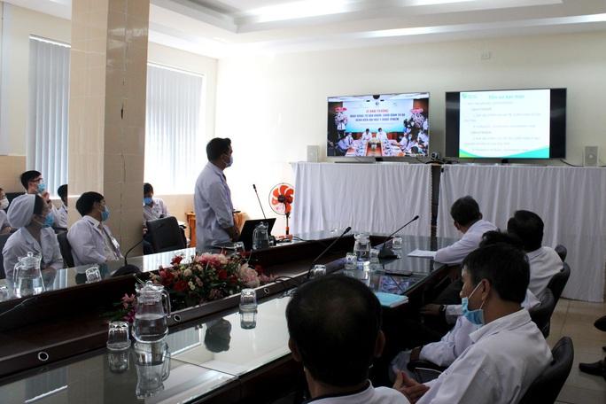 Bác sĩ ở TP HCM vẫn chữa bệnh từ xa cho bệnh nhân tại Đắk Lắk - Ảnh 2.