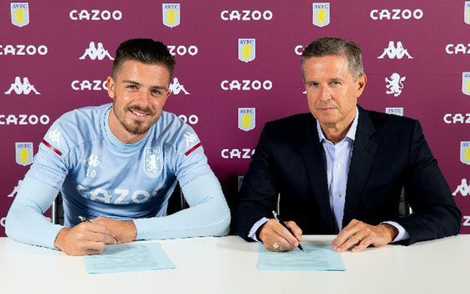 Aston Villa tái ký hợp đồng ngôi sao, trang chủ CLB sập nguồn - Ảnh 1.