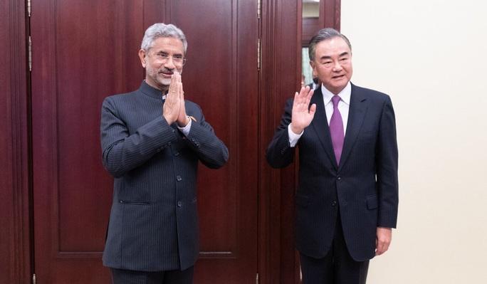 Trung Quốc nâng mức sẵn sàng tác chiến sau vụ nổ súng ở biên giới Ấn Độ - Ảnh 1.