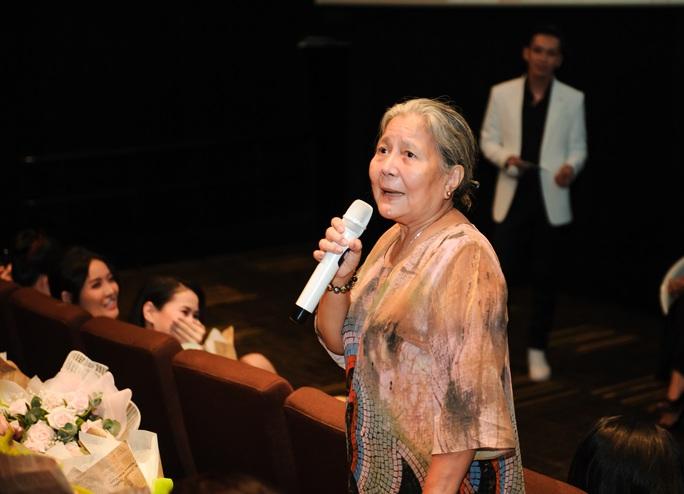 NSƯT Lê Thiện tố vì đạo diễn Nguyễn Phương Điền mà bà bị nhấn nước - Ảnh 2.