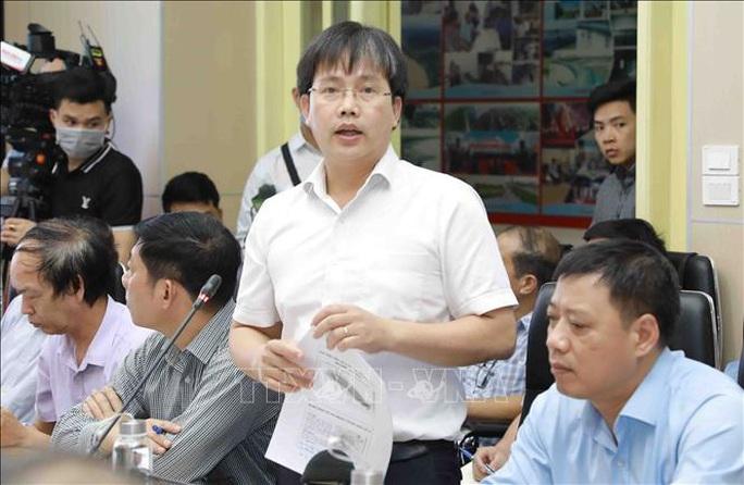 Bão số 5 giật cấp 13 di chuyển nhanh vào Quảng Bình - Đà Nẵng - Ảnh 1.