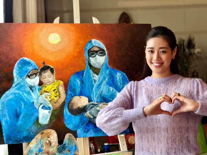 Hoa hậu Khánh Vân đấu giá tranh ủng hộ quỹ phòng chống Covid-19 - Ảnh 4.