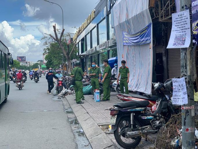 Cháy chi nhánh Eximbank ở Gò Vấp: Bắt khẩn cấp Nguyễn Minh Long - Ảnh 1.
