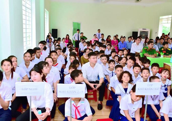 Trung tâm nuôi dạy trẻ khuyết tật Võ Hồng Sơn khai giảng năm học mới - Ảnh 2.
