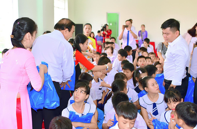 Trung tâm nuôi dạy trẻ khuyết tật Võ Hồng Sơn khai giảng năm học mới - Ảnh 3.