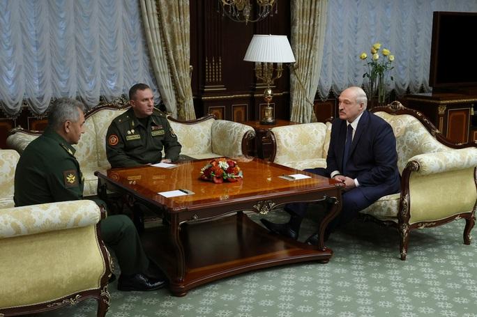 Nga tố Mỹ khuấy đảo Belarus để lật đổ ông Lukashenko  - Ảnh 1.