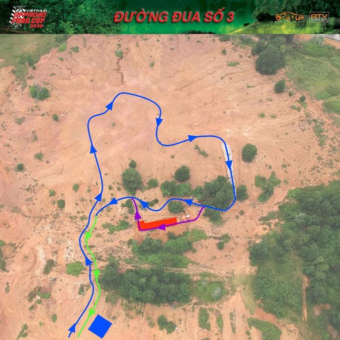 Hàng trăm VĐV tranh tài giải đua xe ôtô địa hình Việt Nam 2020 - Ảnh 9.