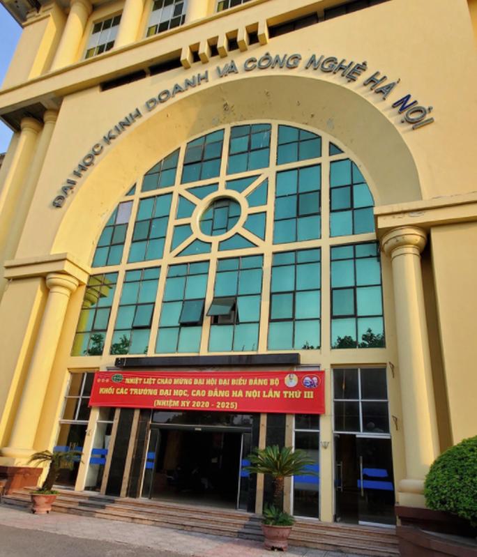 Trường ĐH Kinh doanh và Công nghệ Hà Nội đào tạo chui sinh viên dược - Ảnh 1.