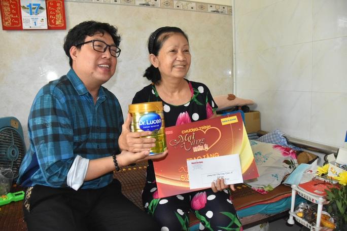 Mai Vàng nhân ái thăm nghệ sĩ lão thành Hoàng Vân và nghệ sĩ Diễm Trinh - Ảnh 4.