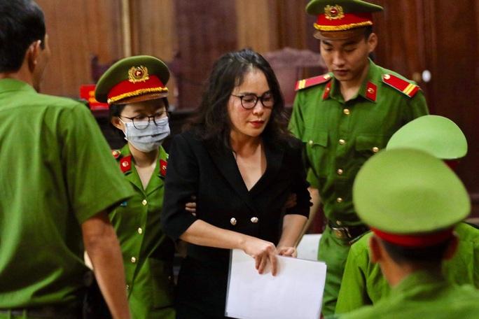 CLIP: Bà chủ Hoa Tháng Năm cho rằng không là đồng phạm của ông Nguyễn Thành Tài - Ảnh 1.