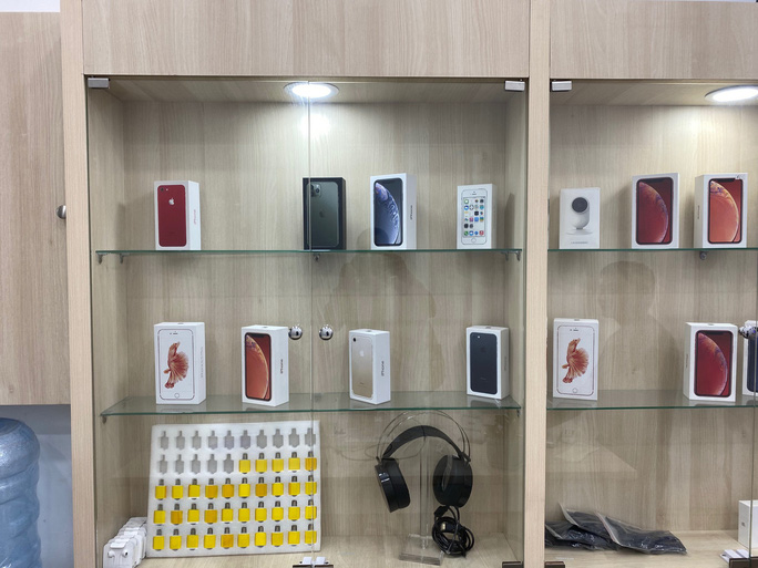 Chờ iPhone 12 ra mắt, giá iPhone 11 giảm nhưng vẫn ế - Ảnh 1.