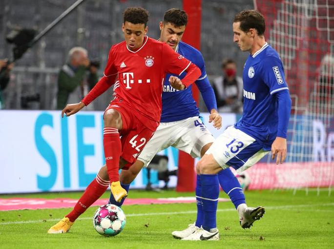 Khai mạc Bundesliga, Bayern Munich vùi dập Schalke 04 không lối thoát - Ảnh 5.