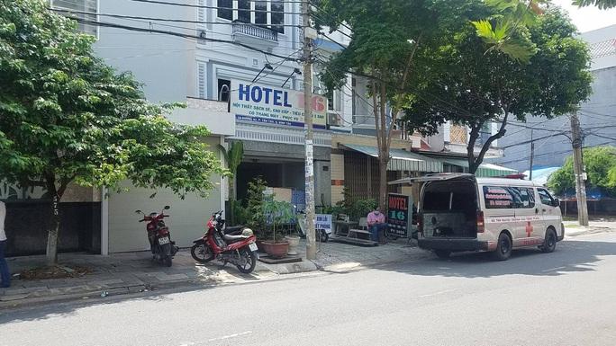 Diễn biến vụ 2 người tử vong trong nhà nghỉ cùng thư tuyệt mệnh ở Bình Tân - Ảnh 1.