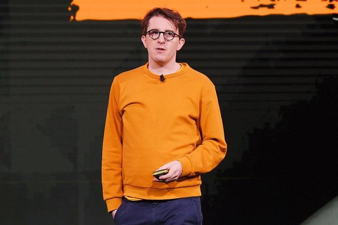 Bị tố cáo cưỡng hiếp, danh hài James Veitch thiệt hại nặng - Ảnh 1.